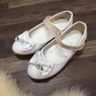 dječije cipele bijele